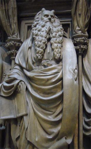 Почему Моисея изображали с рогами на голове?