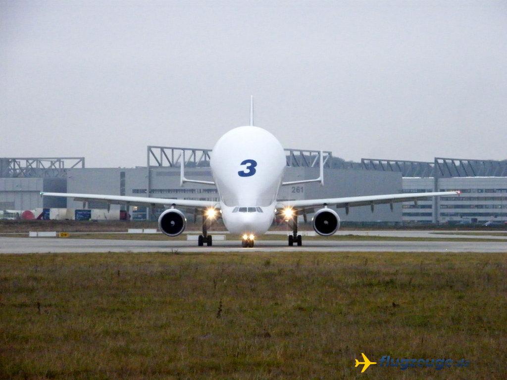 BelugaXL совершил первый полет