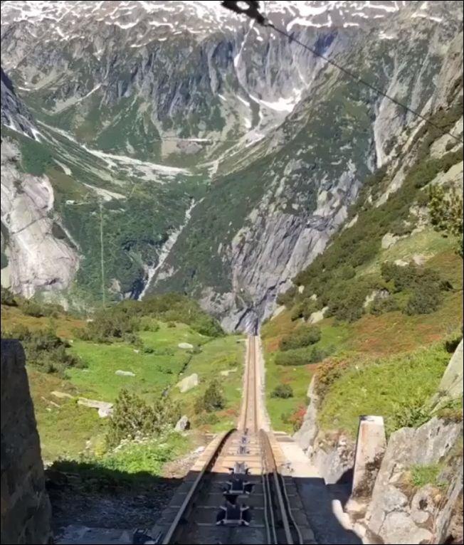 Крутая железная дорога