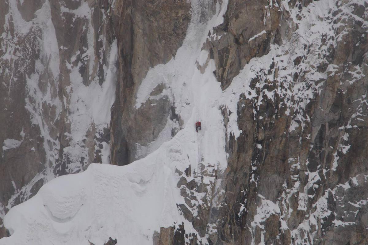 Зачем люди рискуют чужими жизнями и лезут в горы?