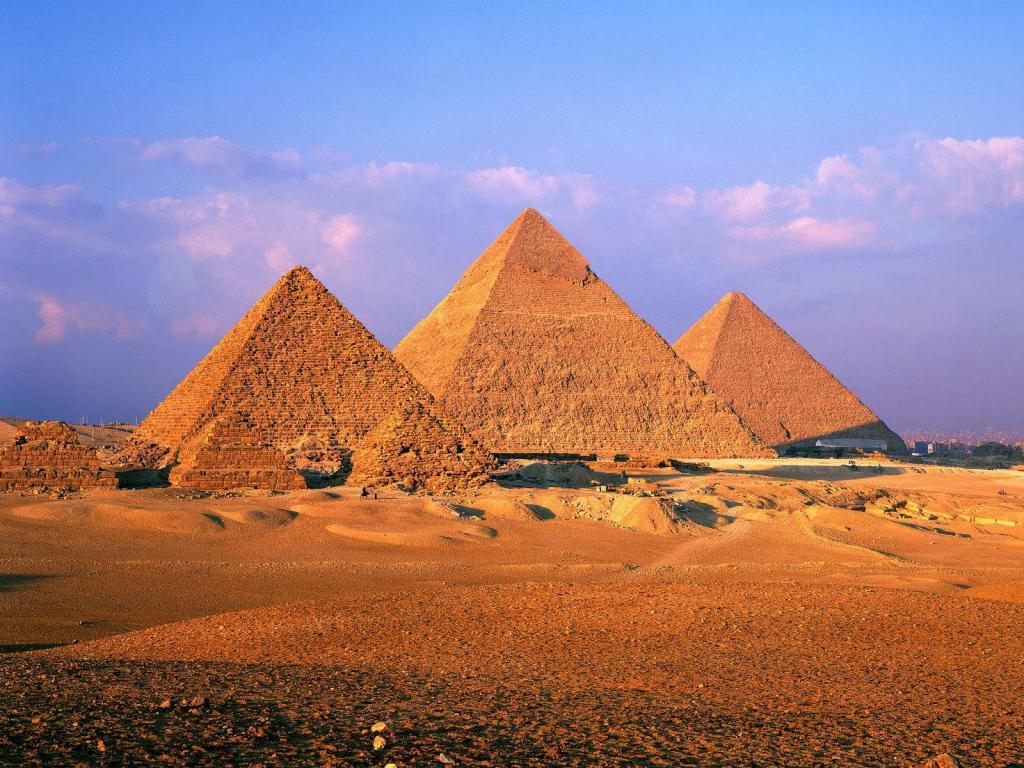 Что в Египте в два раза древнее самой древней пирамиды?