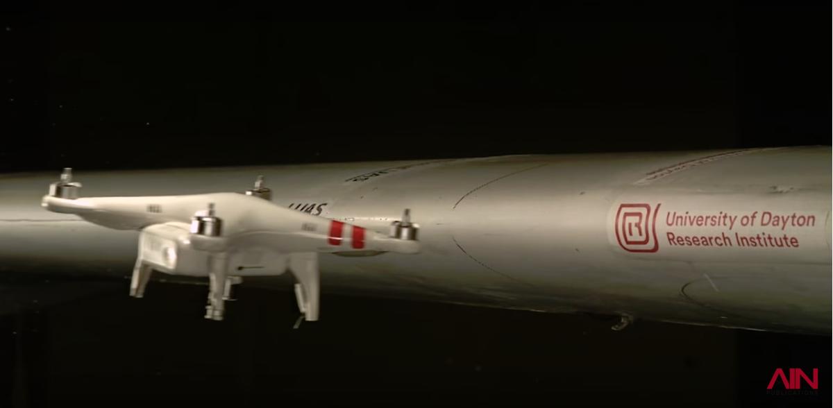 Что будет если дрон столкнется с самолетом?