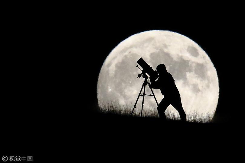 Реален ли проект китайских рукотворных лун?