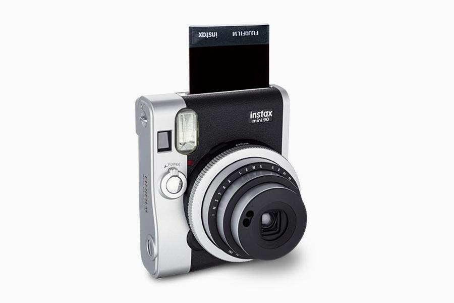 Fujifilm-Instax-Mini-90-Neo-Classic-00