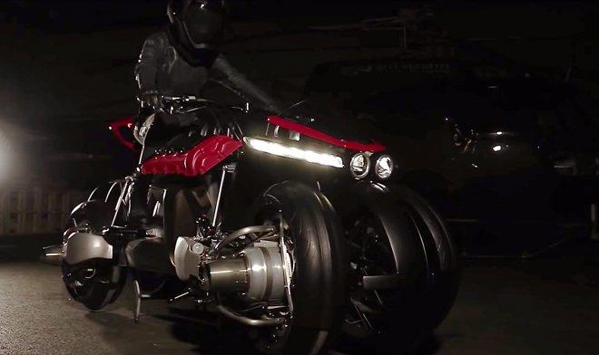 Мотоцикл с реактивными турбинами в колесах