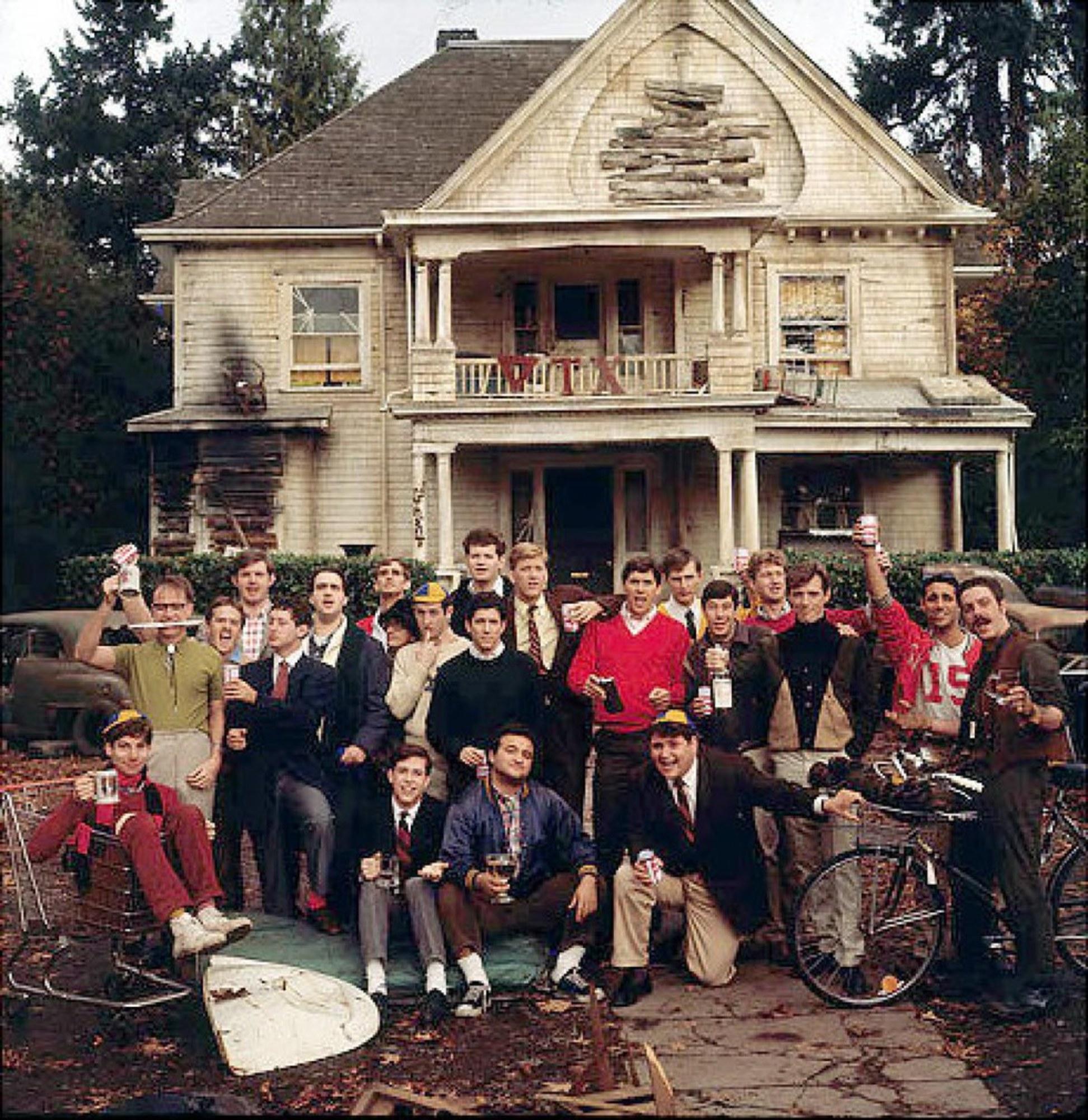 Почему в Америке есть студенческие братства, а у нас - нет?