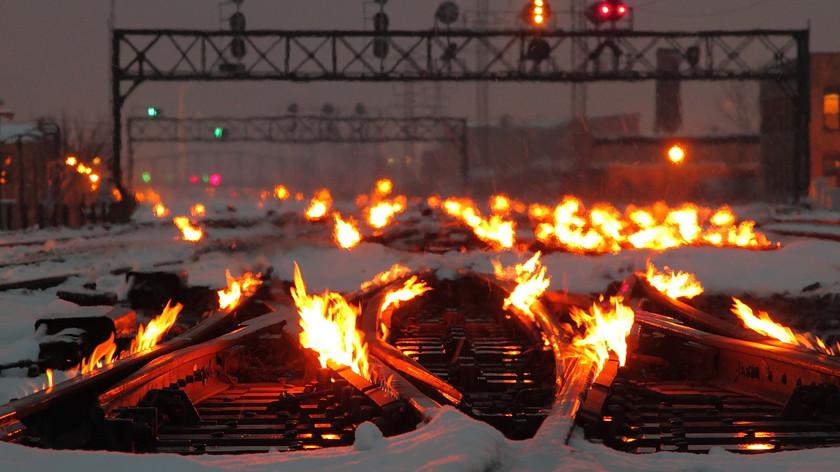 Зачем в Чикаго поджигают рельсы?