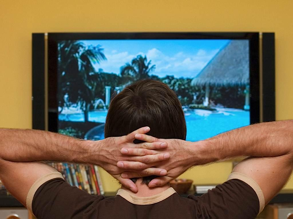 Если долго смотреть телевизор, испортишь зрение?