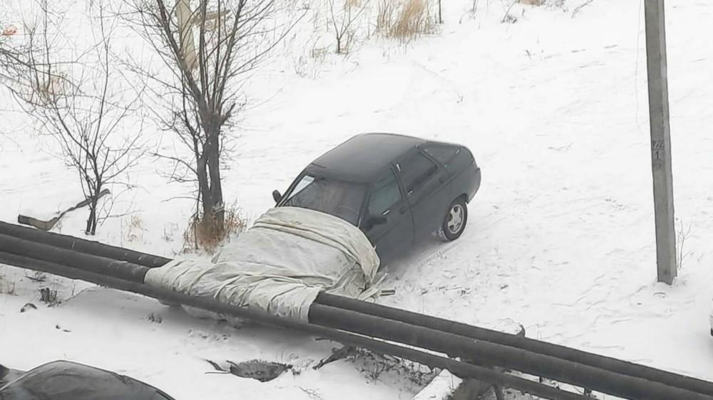 Машинка залезла под одеяло