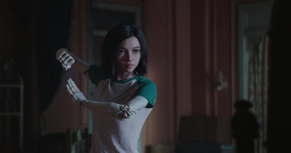 Можно ли смотреть фильм Алита: боевой ангел?