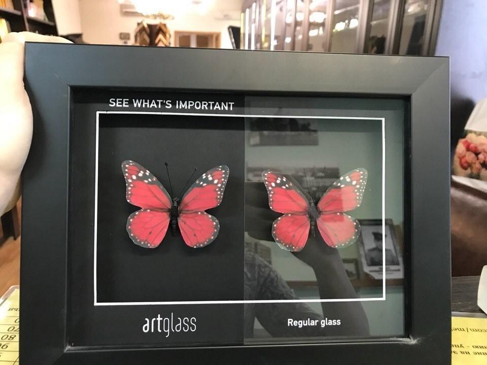 Отличие стекла обычного и музейного