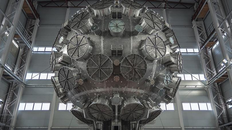 В Сарове установили лазерную термоядерную установку