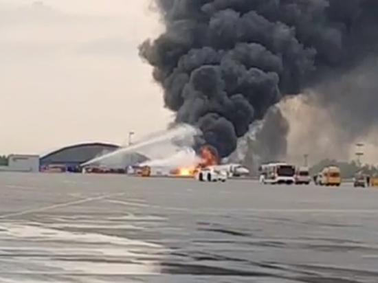 В Шереметьево при посадке загорелся Sukhoi Superjet