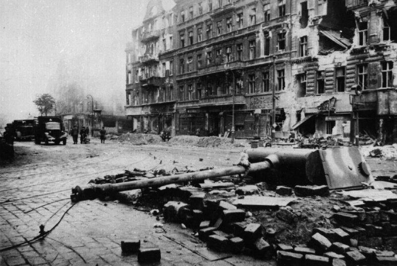 «Закапывали» ли фашисты танки в землю?
