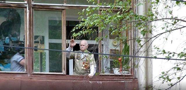Парад Победы под окнами чтобы, очень, смогли, Молодцы, квартир, Главное, стариков, своих, военные, порадовали, увидеть, улицах, некоторых, устроить, минипарад, только, ветеранов, прямо, внимание, писал