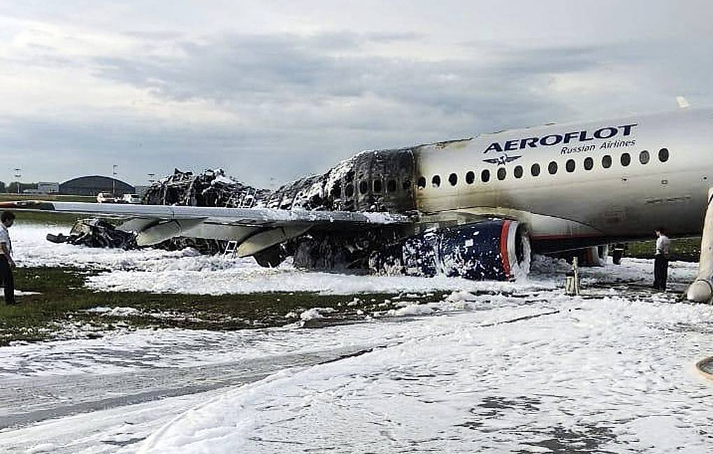 """Почему за гибель в авиакатастрофе """"Аэрофлот"""" заплатит всего 5 млн рублей?"""