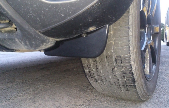 А вы знали, что  передний брызговик на автомобиле совсем и не брызговик?