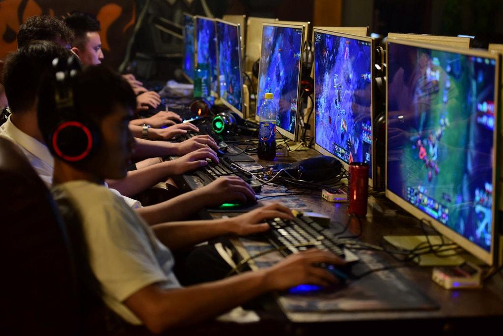 компютерные игры картинки из них под верхней прямой