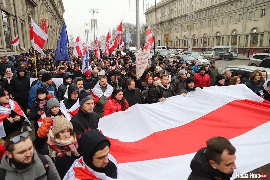 Пока Лукашенко в Сочи на переговорах с Путином, в Минске идет митинг
