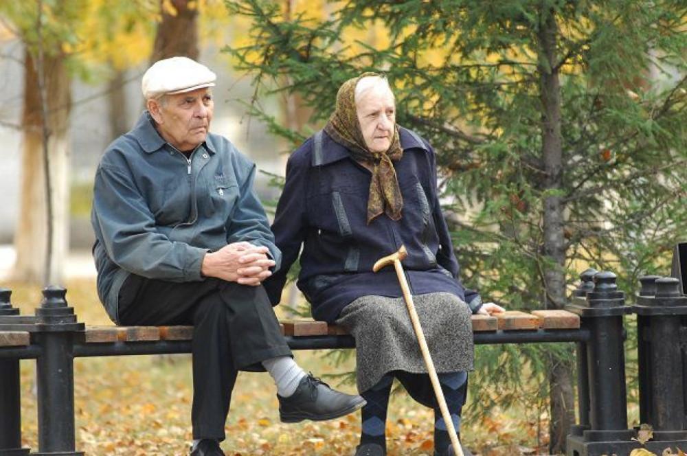 Что можно купить на пенсию американца и россиянина