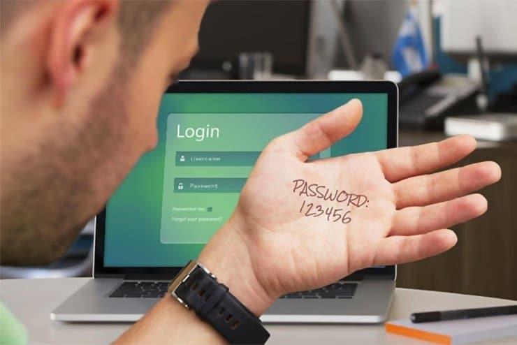 Короткие сложные пароли легче взломать, чем простые парольные фразы?