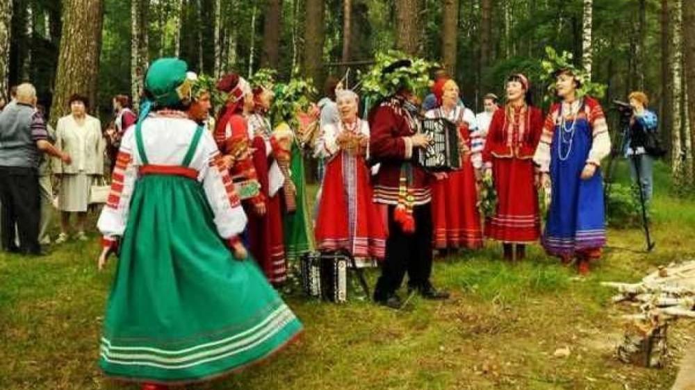 Красная горка - самый причудливый русский праздник Религия