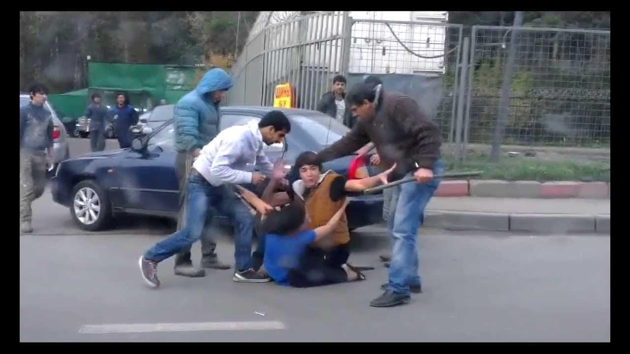 Из Крыма выгнали чеченцев, напавших с железной трубой на чиновника