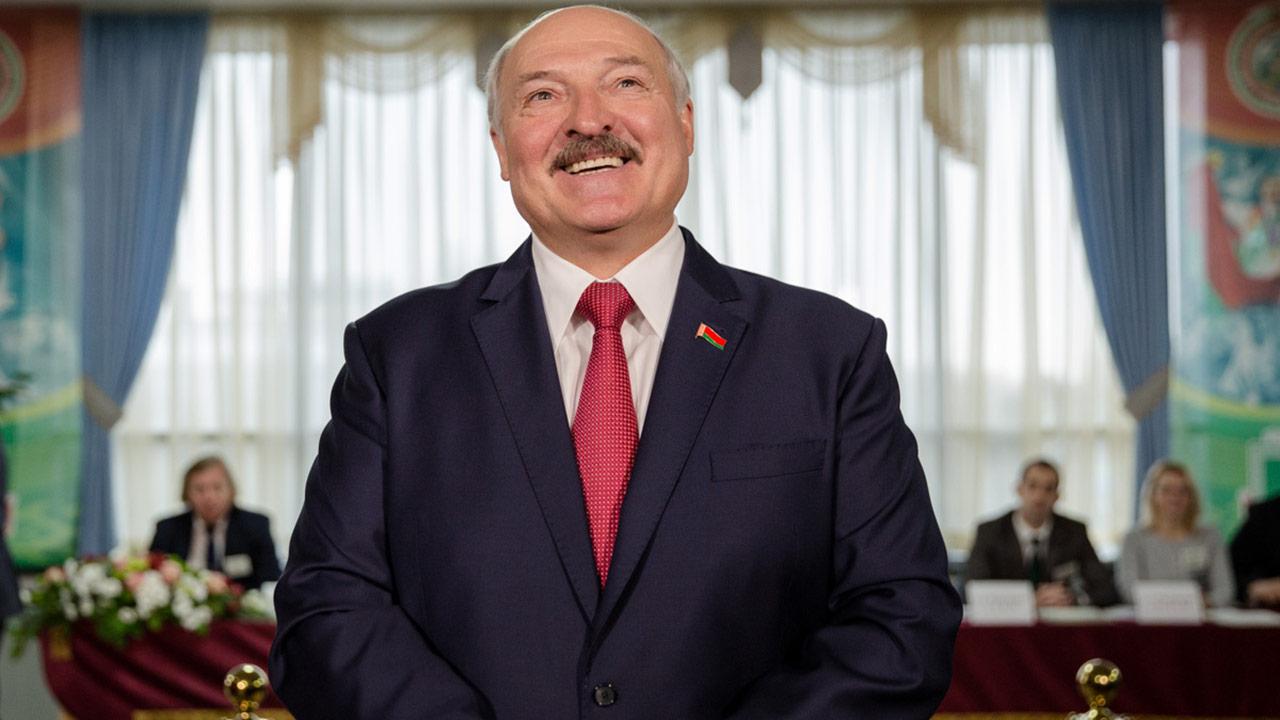 Сравниваем официальный экзитпол в Белоруссии с независимым Белоруссия