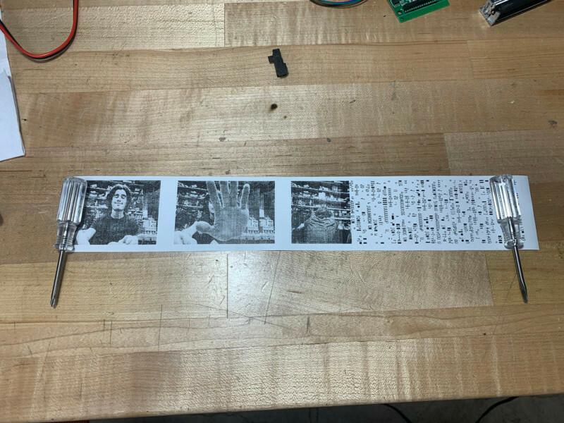 Polaroid научили печатать фото на бумаге для чеков Гаджеты