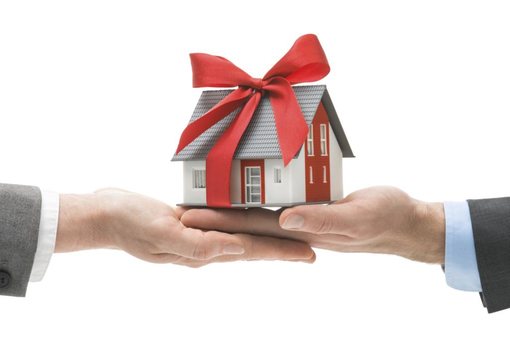 На что готов блогер, чтобы получить в подарок новый дом?