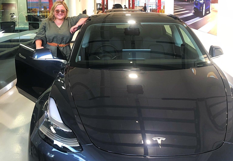 Как хозяйка Tesla издевалась над угонщиками