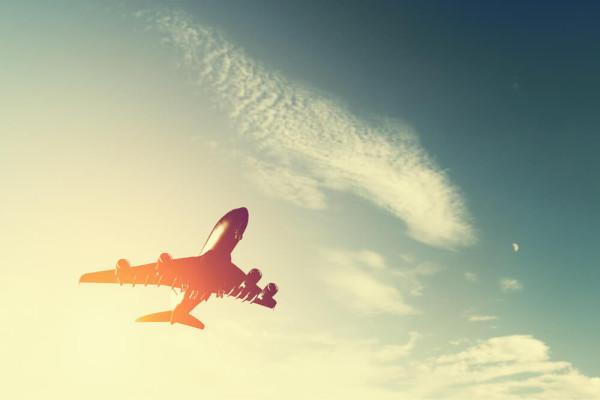 Первый в истории межконтинентальный угон самолета