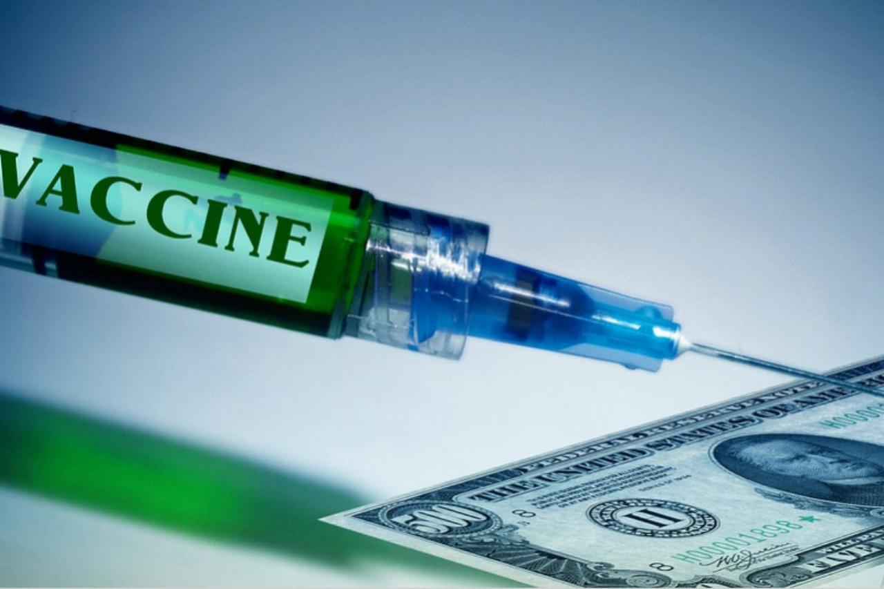 Чем могут обернуться для мира западные вакцины от коронавируса?