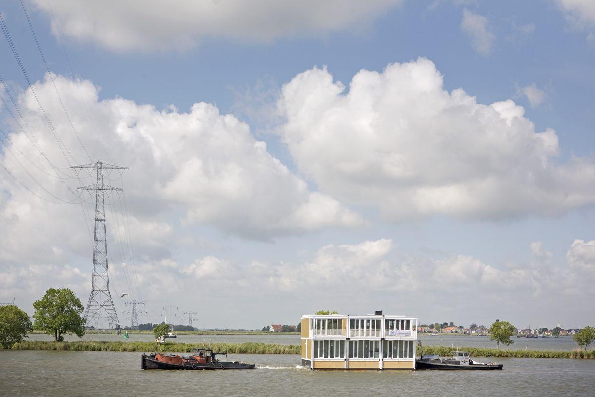 Айбург - район с плавучими домами в Амстердаме Нидерланды