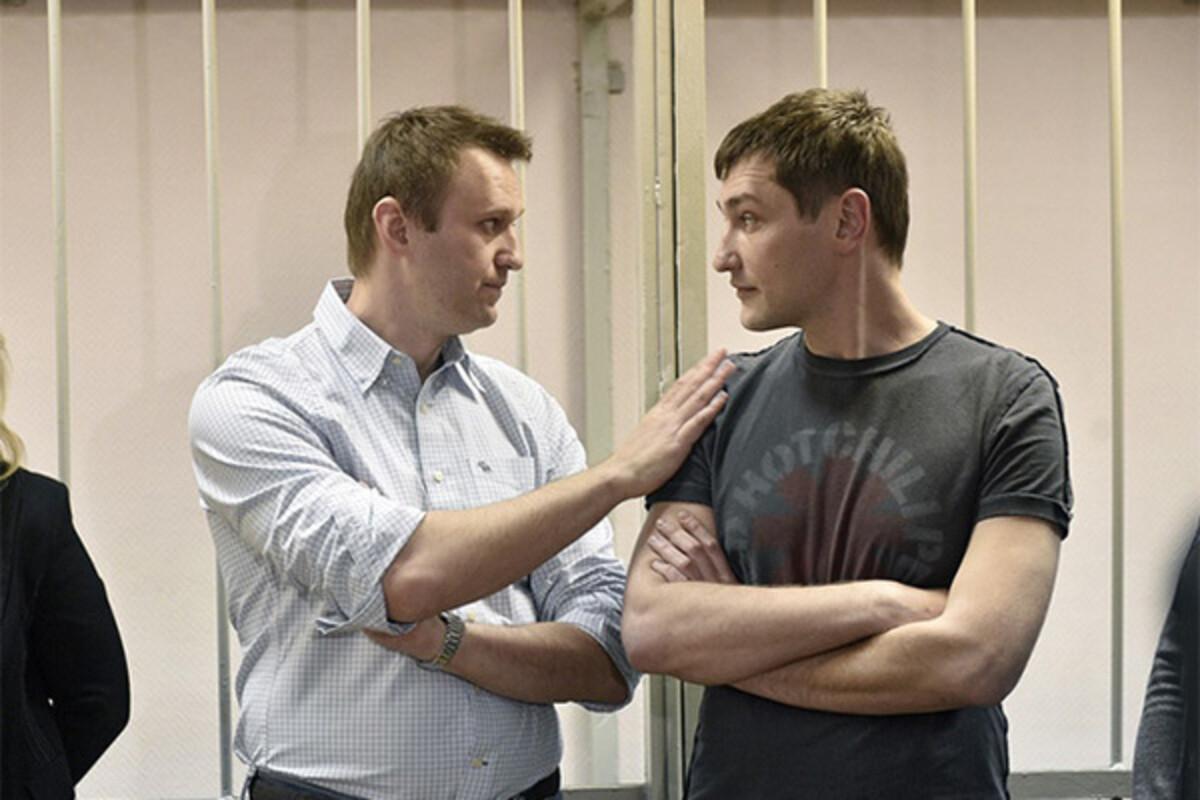 ФСИН грозит заменить Навальному условный срок на реальный Навальный