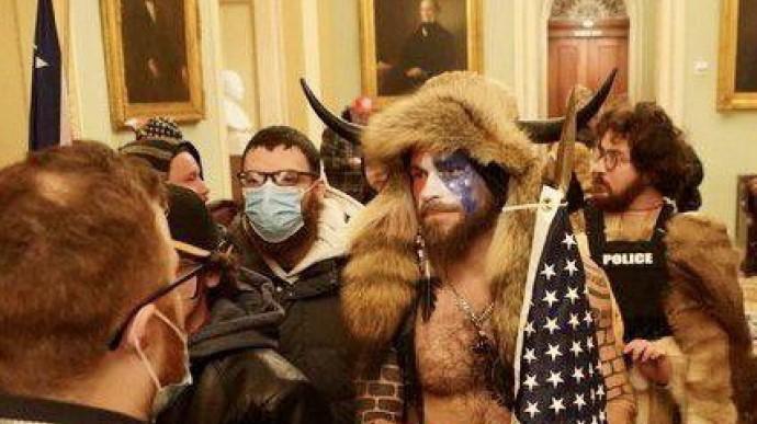Сторонники Трампа ворвались в Капитолий Происшествие,США