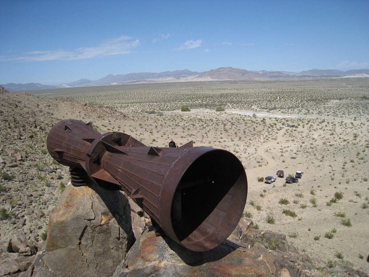 Загадочный мегафон пустыни Мохаве