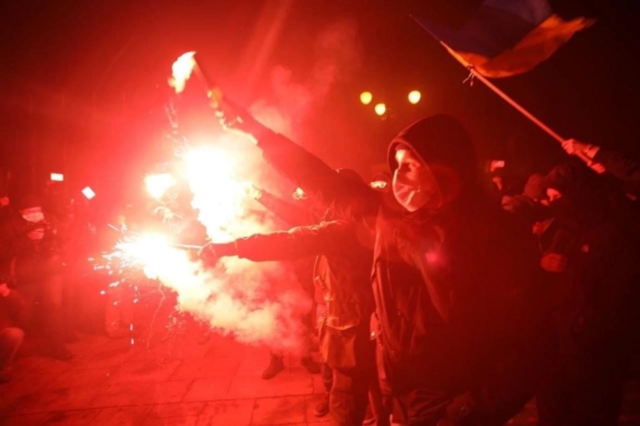 Сейчас в Киеве Украина