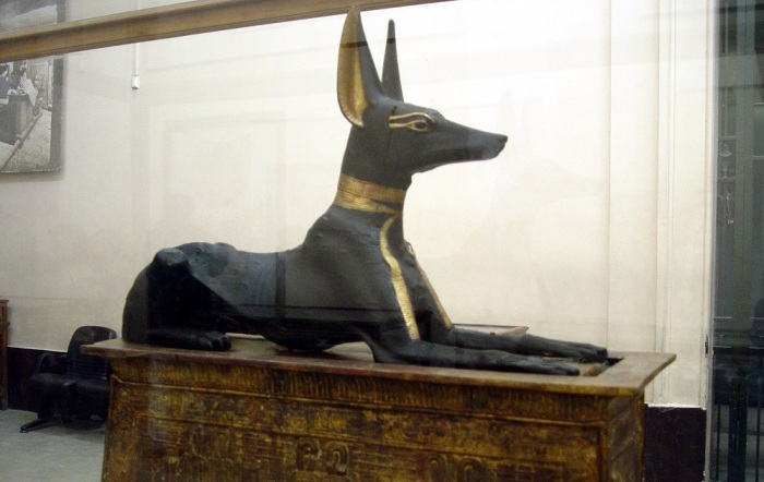 Почему у Сфинкса такая маленькая голова? Египет