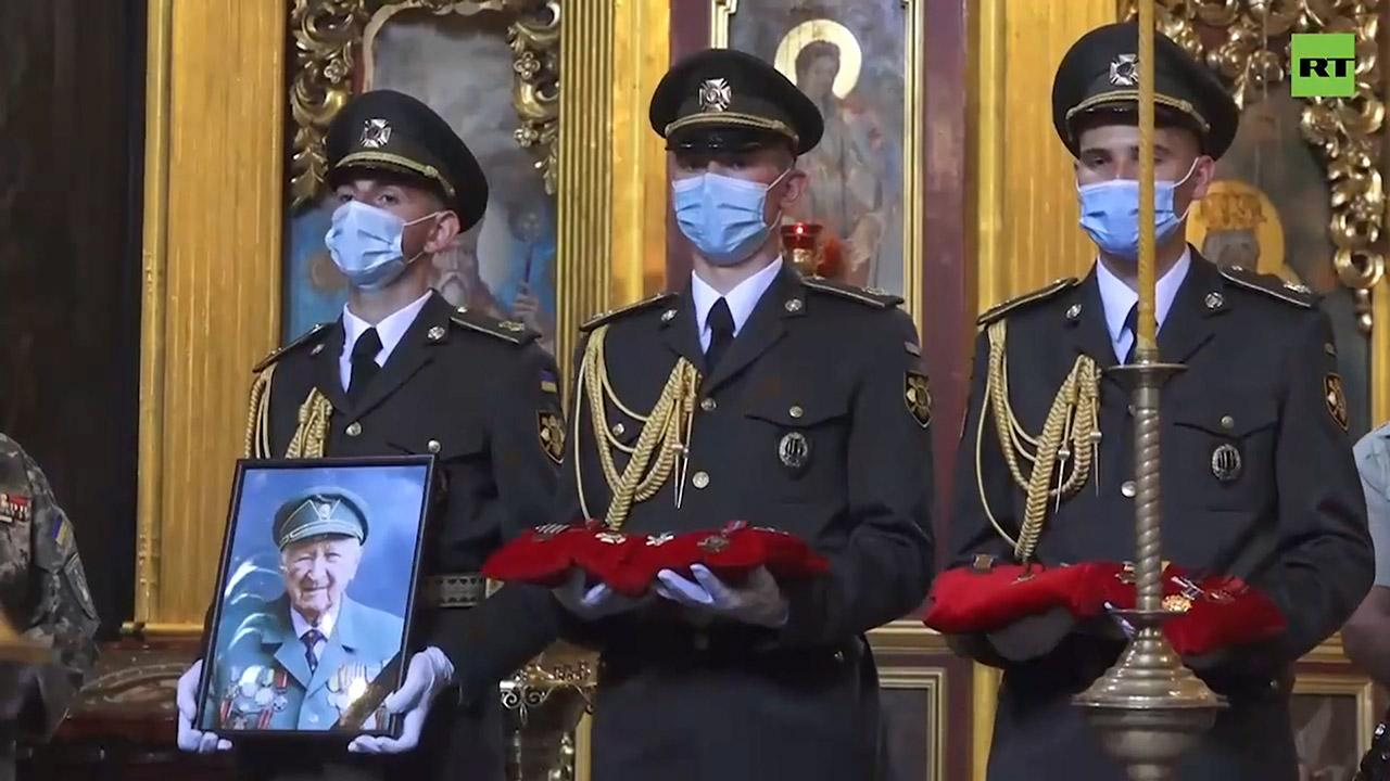 На Украине президентский полк принял участие в похоронах эсэсовца Украина