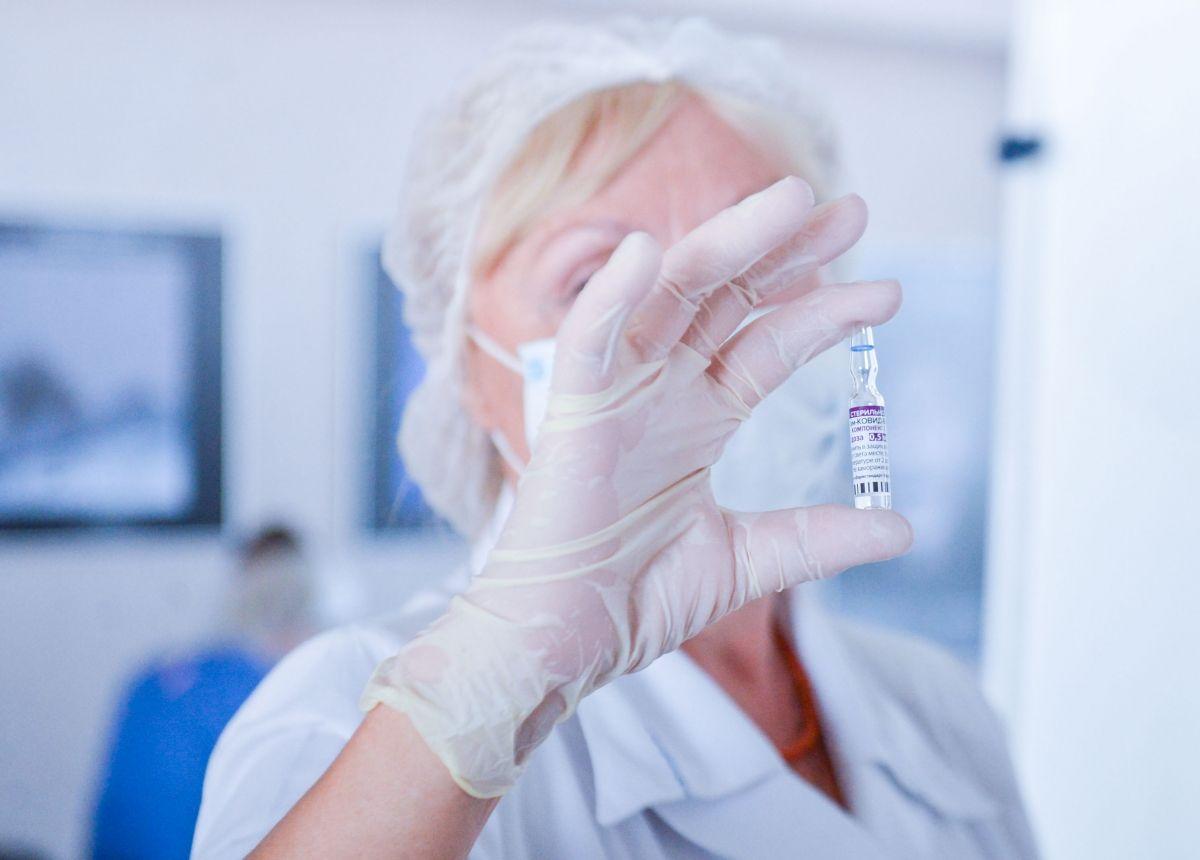 Массовая вакцинация не останавливает распространение коронавируса Коронавирус