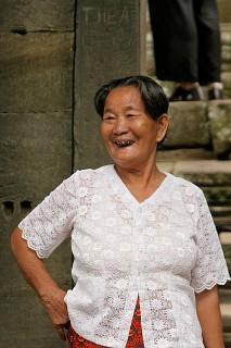 Тайская бабуля, радуется настоящему