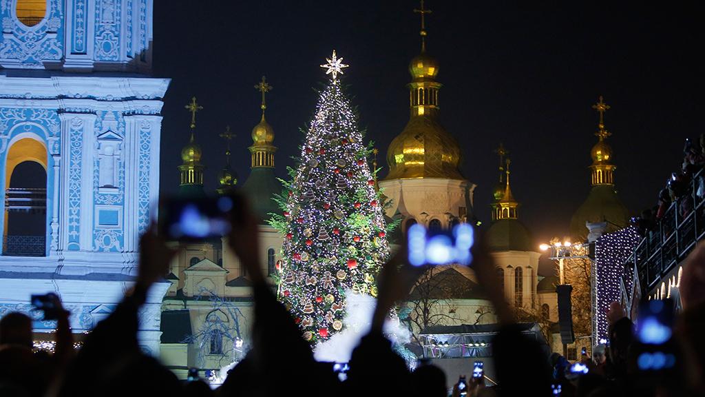 Надо ли переносить празднование Рождества в России?