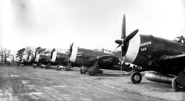 359th_Fighter_Group_P-47_Thunderbolts