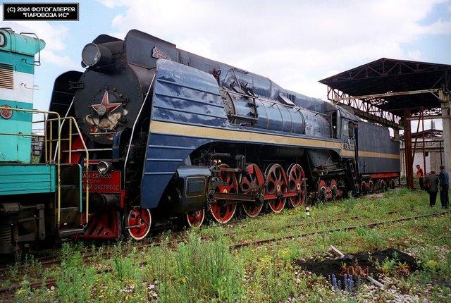 Паровоз П36-0032 с туристическим поездом