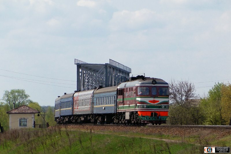 Тепловоз ТЭП60-0558 с поездом №336 Санкт-Петербург - Днепроп