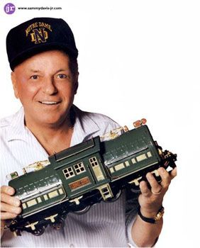 frank-Sinatra-and-his-trains