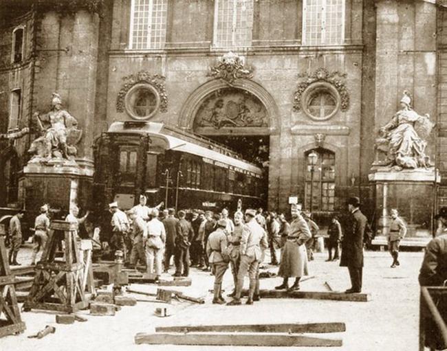 В музей Армии в Париже доставлен вагон маршала Фоша, в котором было подписано Компьенское перемирие о прекращении военны