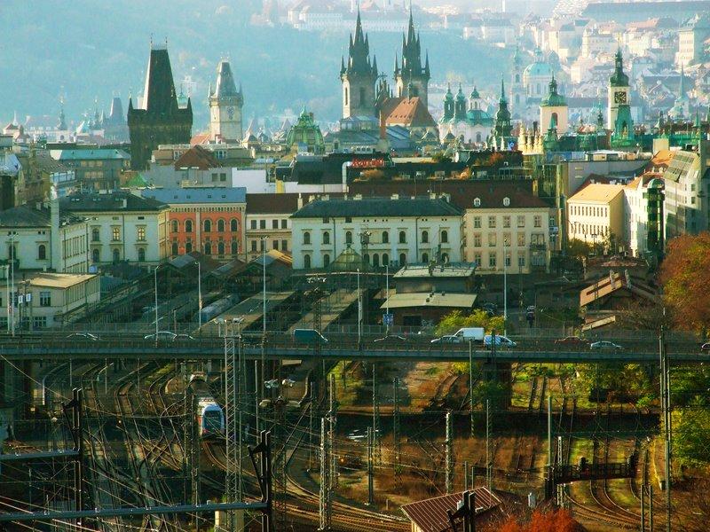 Praha,_Žižkov,_pohled_na_Masarykovo_nádraží