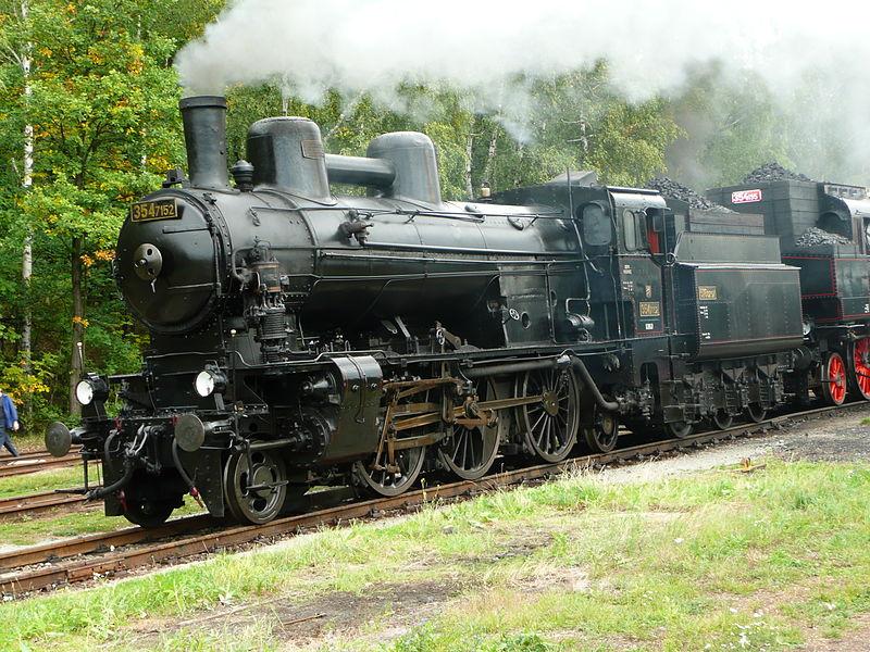 800px-354.7152_in_Railway_museum_Luzna_u_Rakovnika